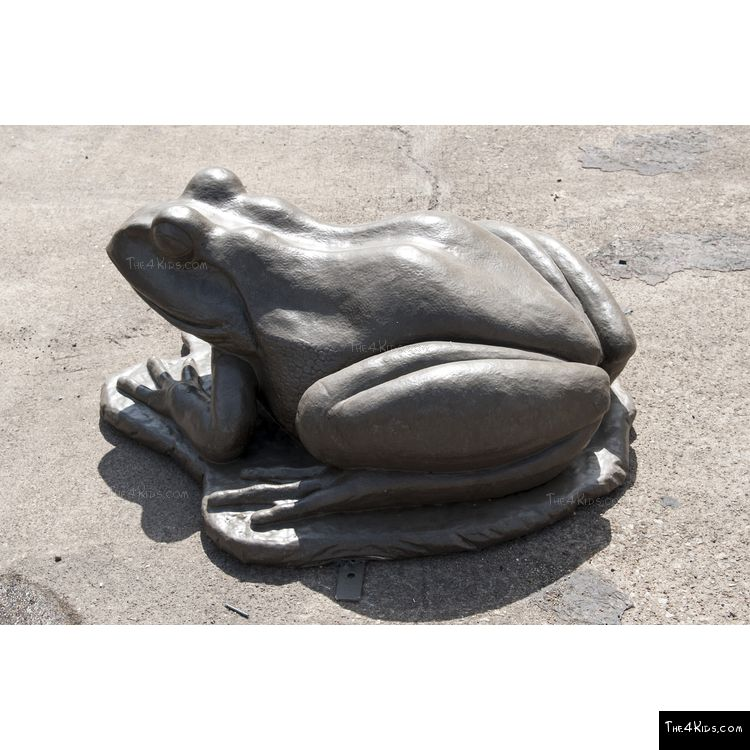 Image of Frog Sculpture